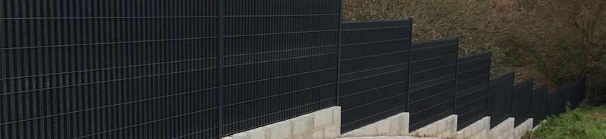 Occultant en lattes aluminium pour clôture panneau rigide
